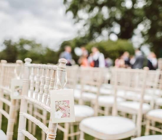 https://www.facebook.com/pg/Ester-Helena-your-Wedding-Designer-280004442796550/photos/?ref=page_internal