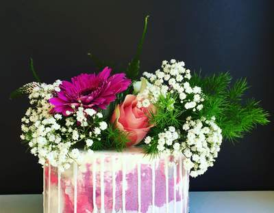 Roses Cake Shop